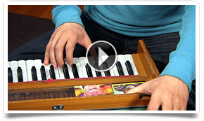 Kirtan Central - Picking a Harmonium video